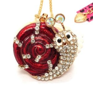 Wild Life Red Shell snail BJ Crystal Necklace